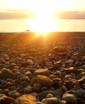 Steine im Sonnenaufgang